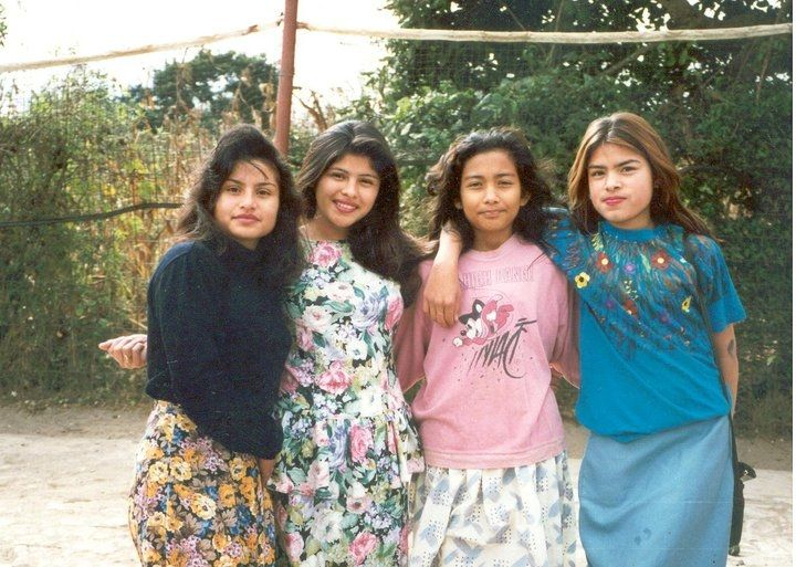 If you can recognize, AMALFI, ANGELINA, GLADYS and LAISA from 15 years ago you are an expert