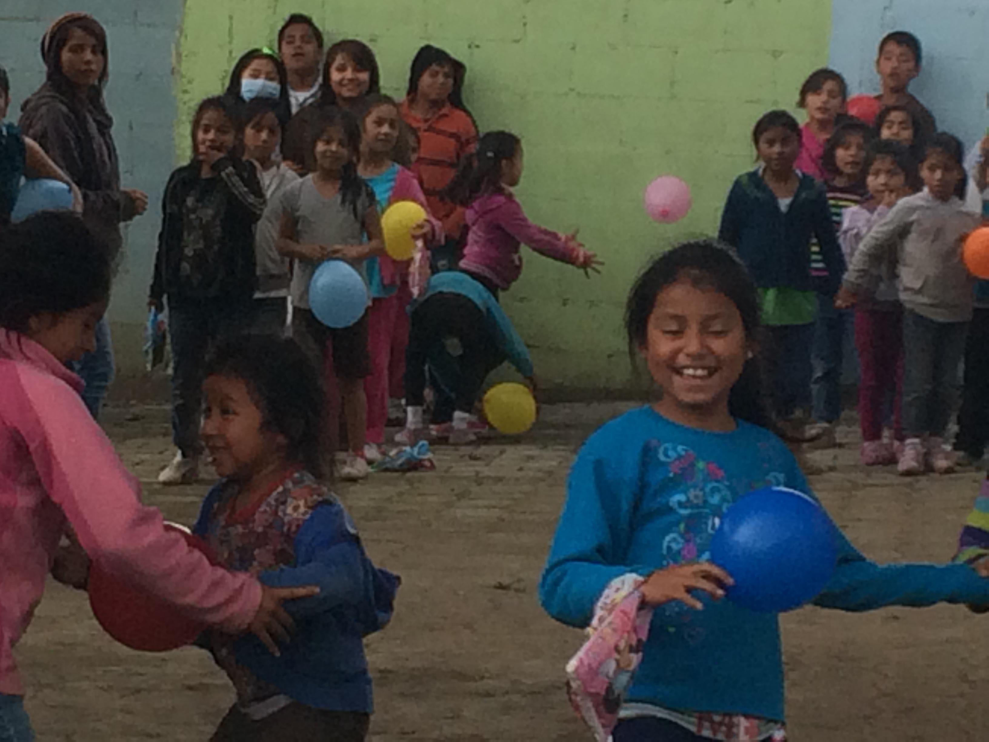 Balloon game with dialysis children