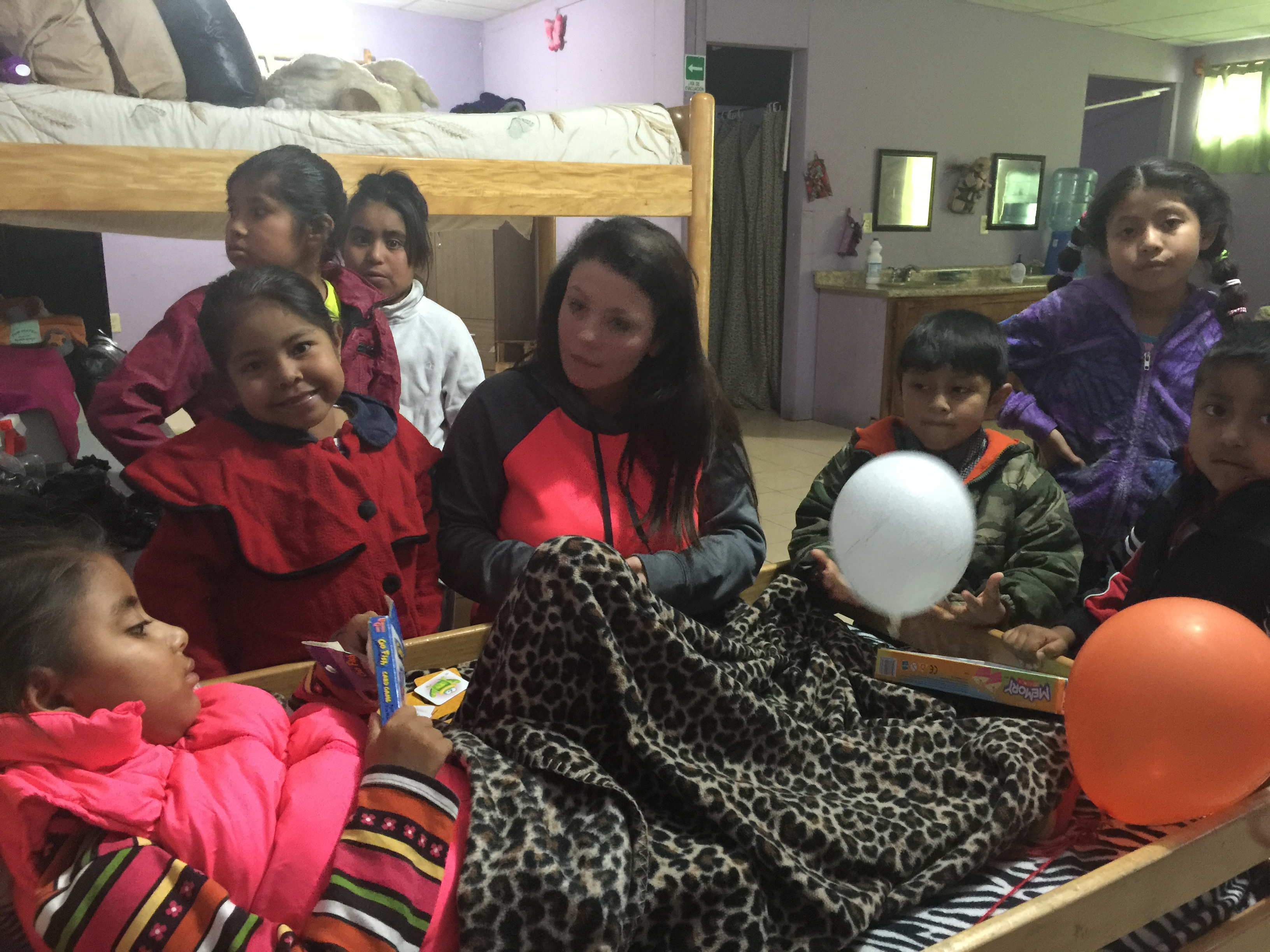 The dialysis children playing with Estephny
